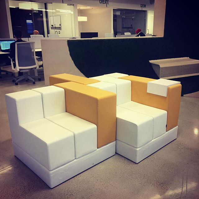 Modular cell lounge chairs